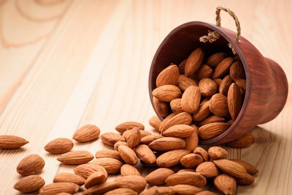 shell almonds