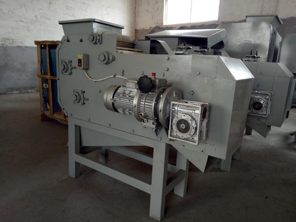 mechanical cashew nut sheller