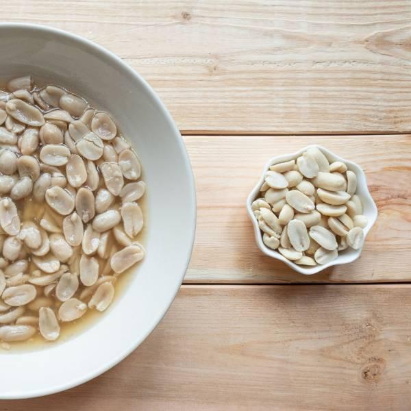 Peanuts after peeling