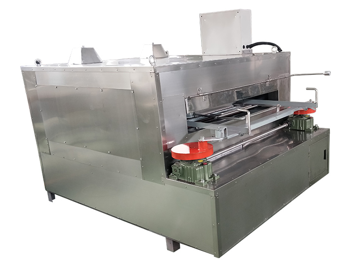 Special roaster for coated peanut