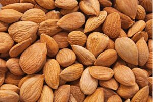 Peel the shell of the almond